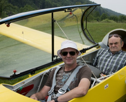 Fluglehrer u. Ausbildungsleiter Artner Rudi (hinten)