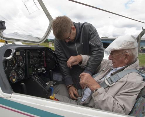 Zweisitziger Motorsegler KIEZ Cockpit